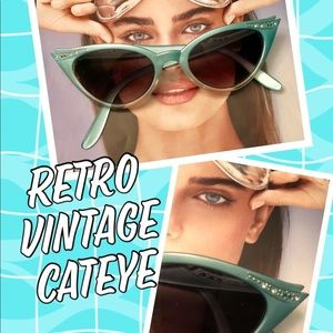 Retro Aqua Cateye sunglasses vintage w/diamanté's